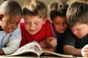 kids reading pic